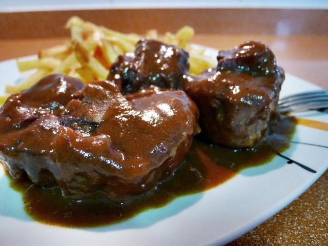 Estofado de rabo de ternera carne de cordero carne en - Cocinar rabo de ternera ...